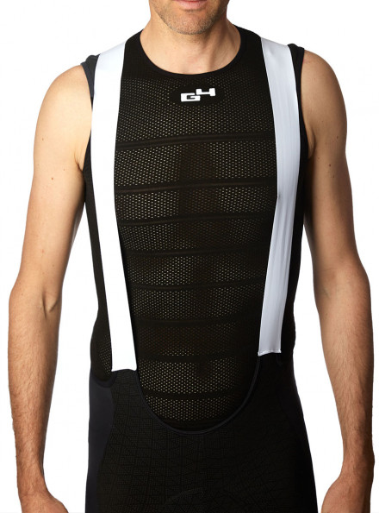 Black sleeves less undershirt