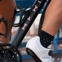 The new G4 socks have been made for her • • • • Discrete, elegant this socks is never useless ladies!  #socks #cyclingsocks #womanonbike #cycling #cyclinglife #instagood #wewearG4 #kitfitcycling #outsideisfree #womancycling